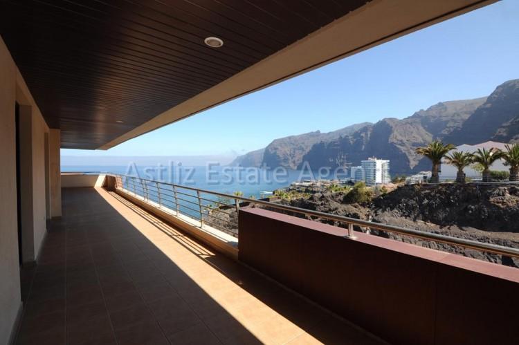 Balcon de Los Gigantes - Puerto de Santiago -