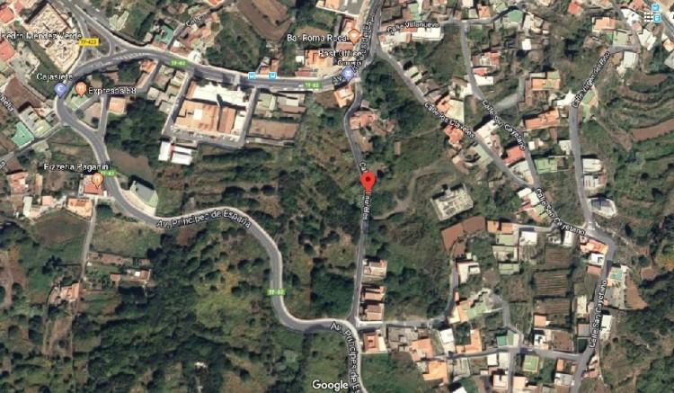 Calle Los Laureles - El Tanque -