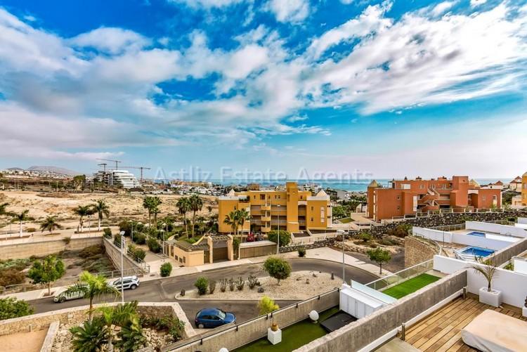 Calle Playa De Diego Hernandez - La Caleta -