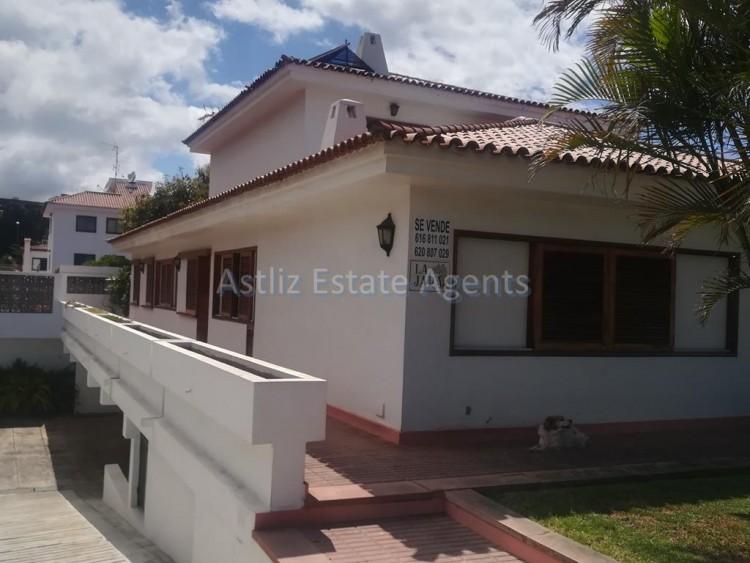 Calle Robles - Puerto de la Cruz -