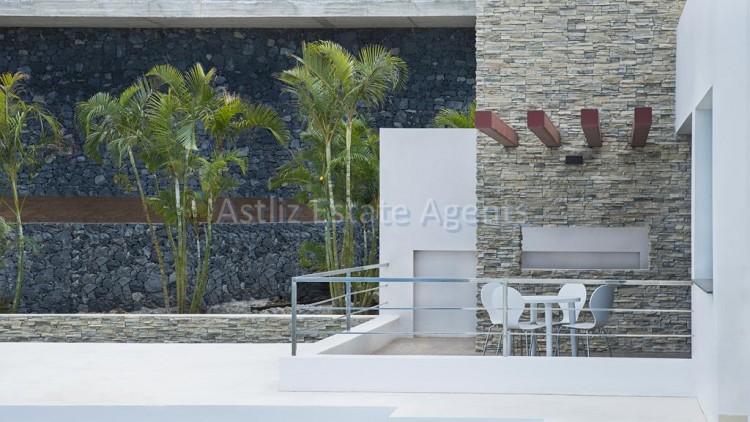 Avenida De Los Acantilados - Costa Adeje -