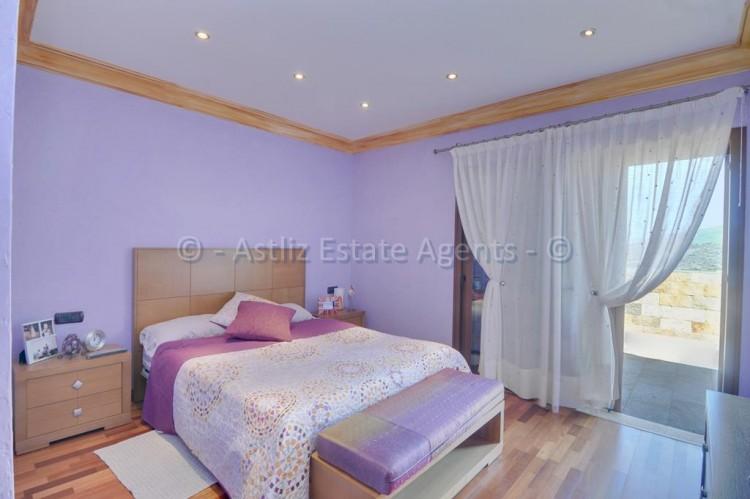 Calle la Rioja - Costa Adeje -