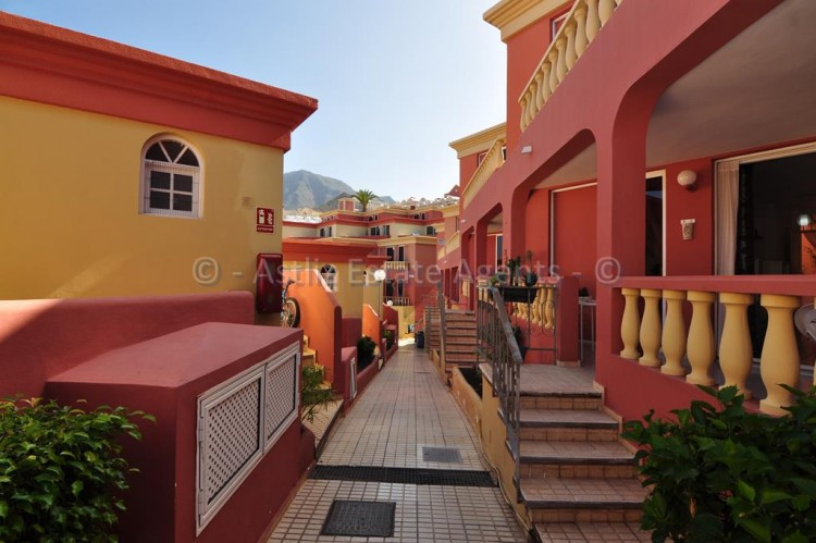 Calle País Vasco - Costa Adeje -
