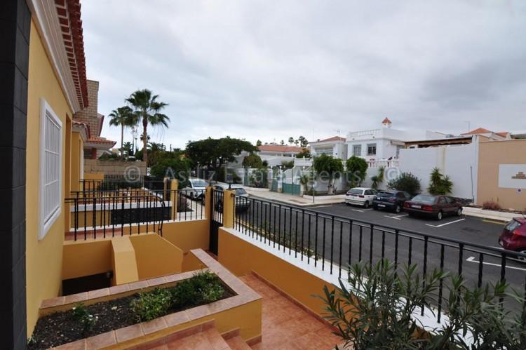 Calle El Tenique -  Callao Salvaje -