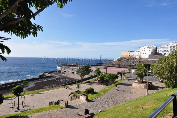 Av. Marítima Puerto de Santiago - Puerto de Santiago -