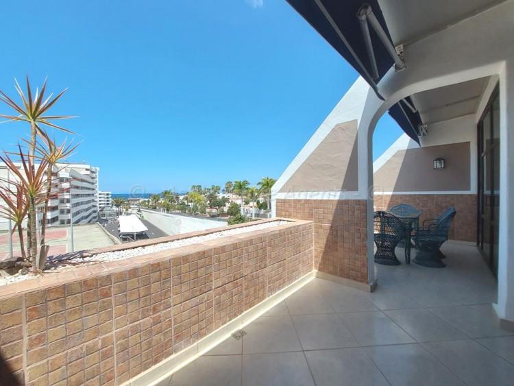 Avenida Quinto Centenario 9 - Playa de las Americas -