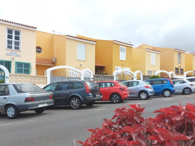 Avenida Malpais - Piedra Hincada -