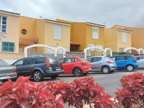 4 Bed House / Villa - For Sale